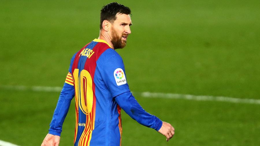 Lionel Messi lamenta durante clássico entre Barcelona e Real Madrid, válido pelo Campeonato Espanhol - Sergio Perez/Reuters