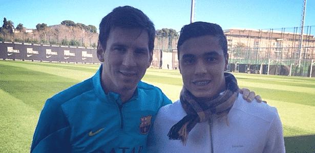 Alisson Farias, do Inter, tieta Messi em visita ao Centro de Treinamentos do Barcelona - Reprodução/Instagram - Reprodução/Instagram