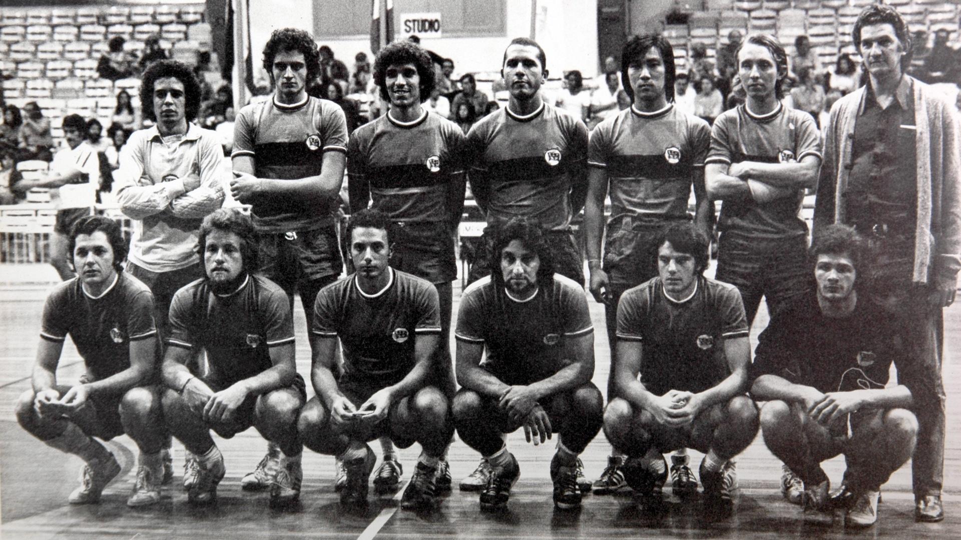 Waack também jogou na Alemanha por um time que disputava o campeonato que  corresponde a quarta a821bb47236e8
