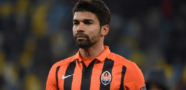 Eduardo da Silva está próximo de retornar ao futebol brasileiro