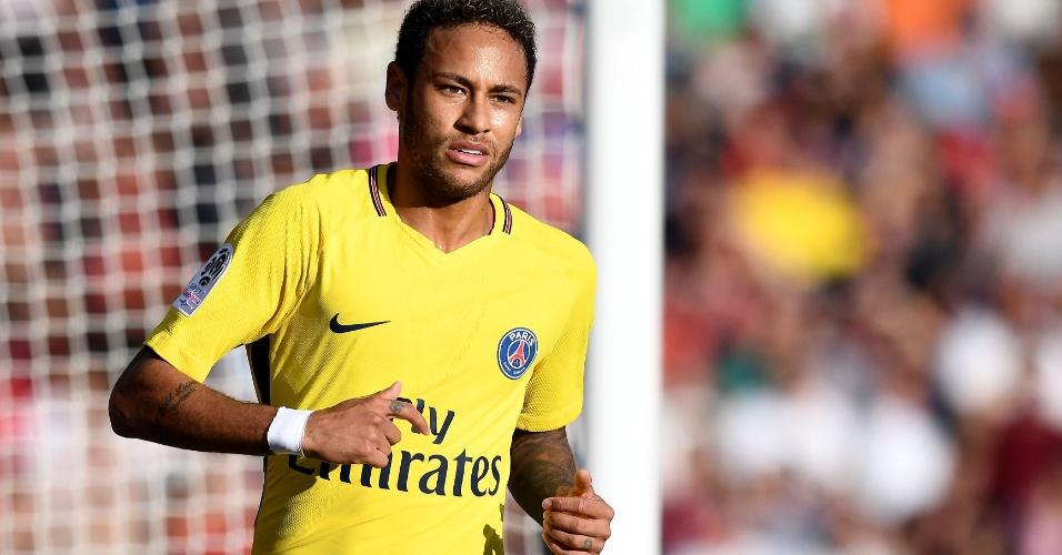 Neymar em ação durante partida do PSG contra o Dijon no Campeonato Francês