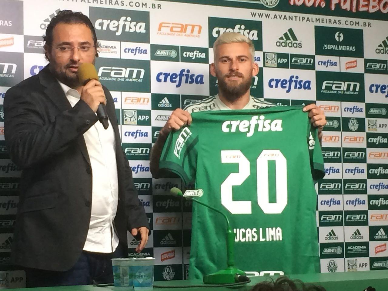 Lucas Lima brinca com provocações ao Palmeiras