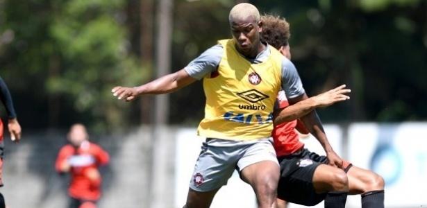 Ribamar fez o dele em jogo-treino: rodagem no exterior e Brasileirão