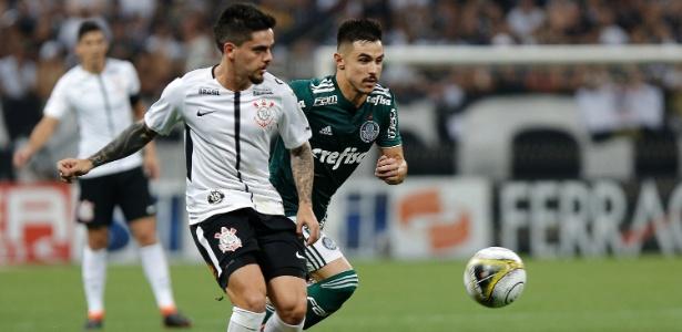 Fagner em ação na partida de ida da final: Corinthians precisa da virada fora de casa
