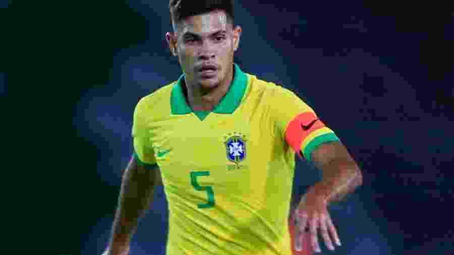 Capitão da seleção, Bruno Guimarães é dos mais experientes, mas nunca jogou Brasil x Argentina - Daniel Munoz/VIEW press/Getty Image