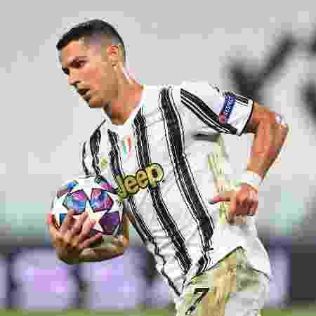 Cristiano Ronaldo foi criticado pelo ministro italiano dos esportes, Vincenzo Spadafora - REUTERS/Massimo Pinca