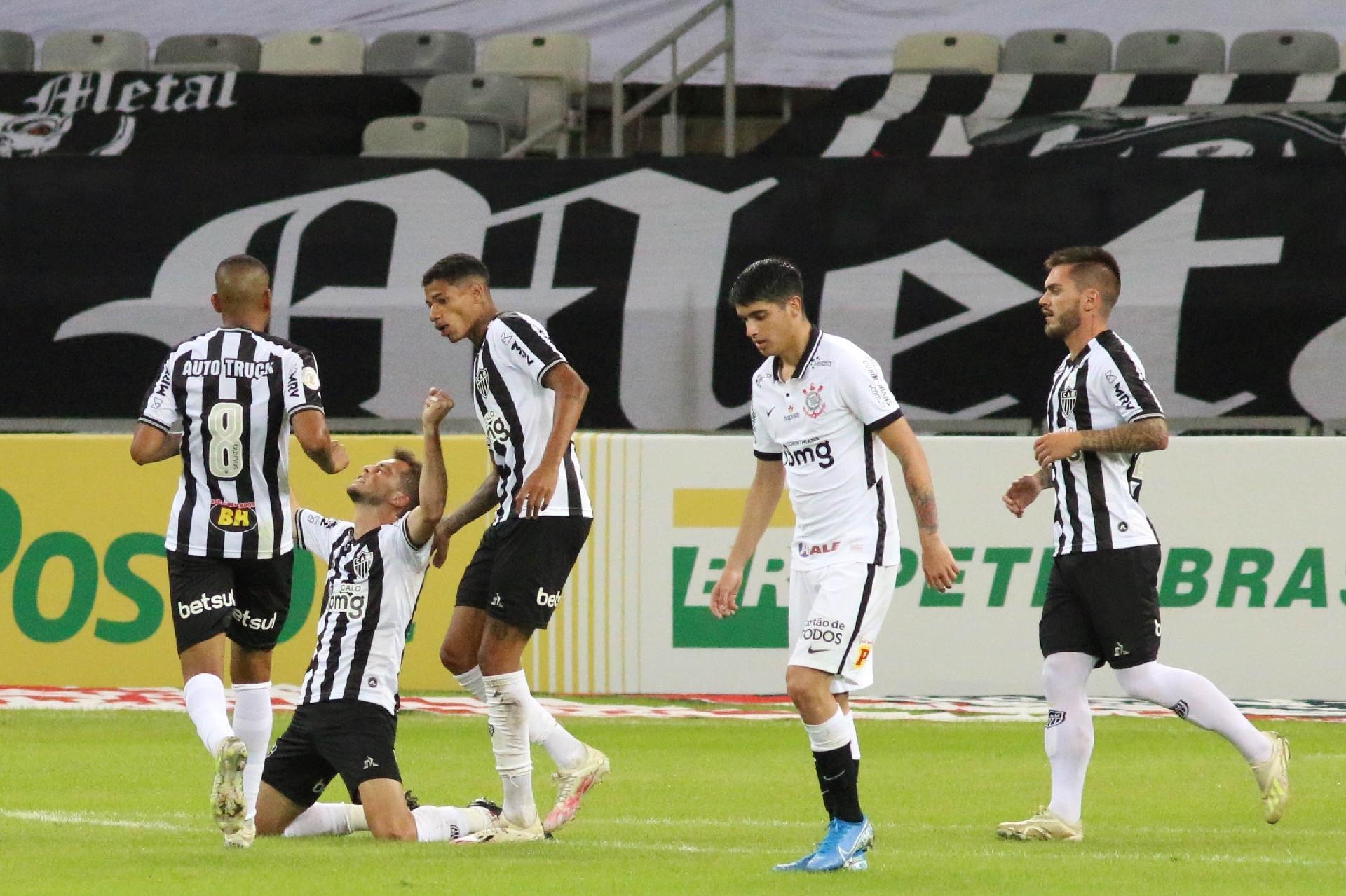 Atletico Mg Sufoca E Vence Corinthians De Virada Com 3 Gols Em 15 Minutos