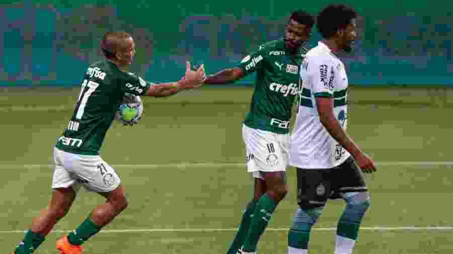 Gabriel Veron comemora gol pelo Palmeiras contra o Coritiba - Marcello Zambrana/AGIF