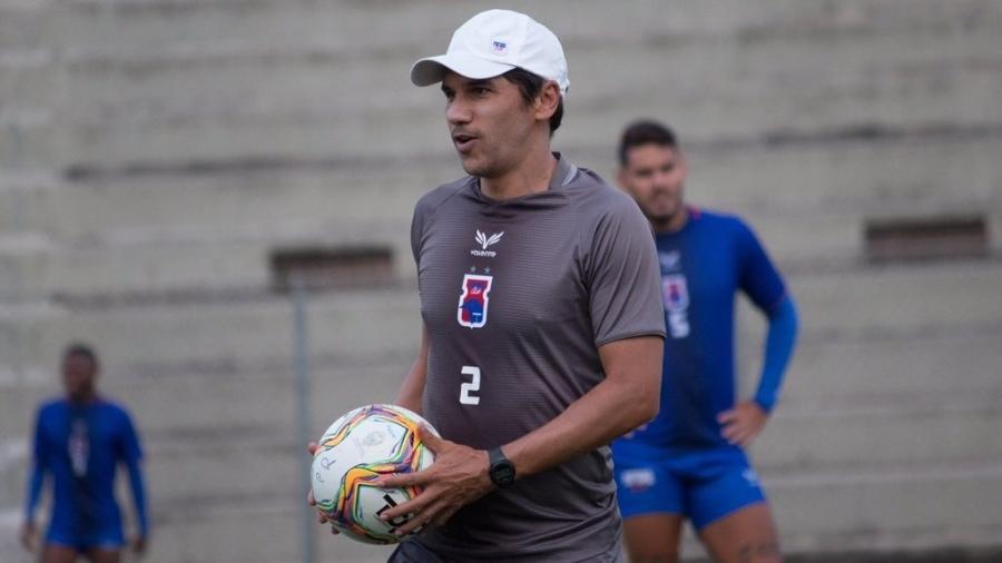 Lúcio Flávio, auxiliar técnico do Paraná - Rui Santos / Paraná