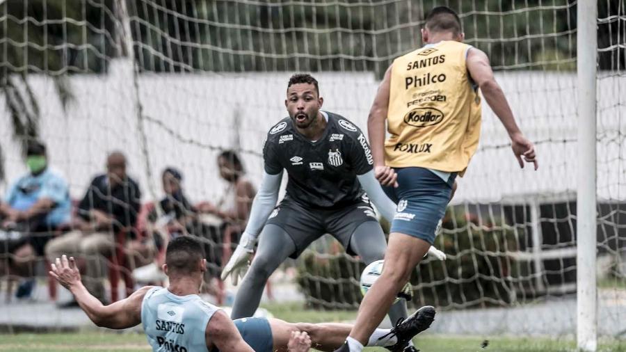 Vladimir em treino do Santos FC no CT Rei Pelé  - Ivan Storti/Santos FC