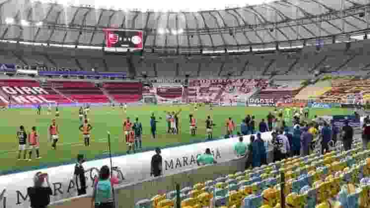 Comitiva do Flamengo fica próxima ao banco de reservas pressionando em jogo com Inter - Arquivo Pessoal - Arquivo Pessoal