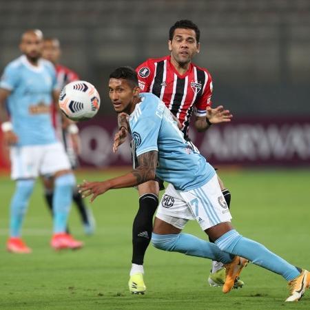 Atuando como ala e lateral, jogador mostrou solidez e foi um dos destaques da equipe - Getty Images