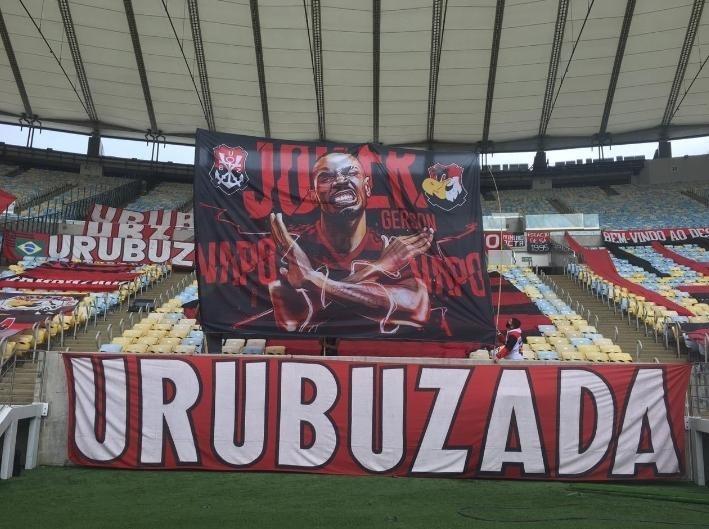 Faixa em homenagem a Gerson da Urubuzada, torcida organizada do Flamengo Urubuzada