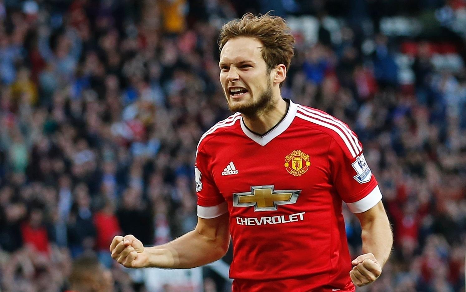 Daley Blind comemora o primeiro gol do Manchester United sobre o Liverpool