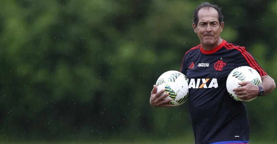 Muricy Ramalho comanda treino do Flamengo durante a pré-temporada em Mangaratiba