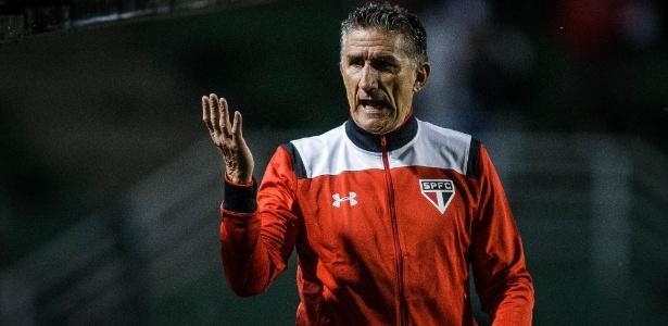 Bauza ainda pode escalar Calleri no ataque são-paulino - Eduardo Anizelli/Folhapress