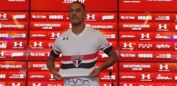 Ytalo treinou no time reserva nesta terça e deve começar no banco em Curitiba