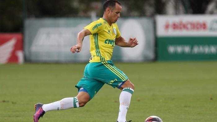 Guerra treinou com bola no Palmeiras
