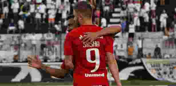 Sasha comemora após abrir o placar pelo Internacional contra o ABC - Nuno Guimarães/Framephoto/Estadão Conteúdo