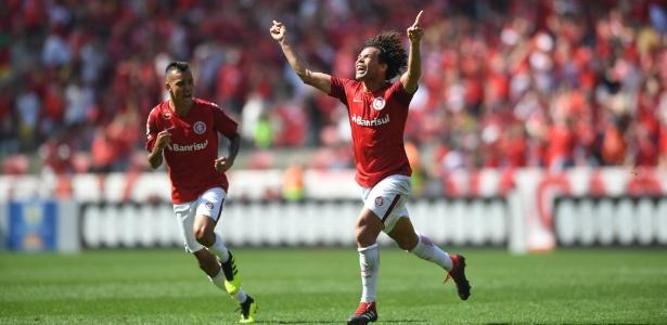 Camilo (à direita) pode reforçar o Santos nesta temporada - Ricardo Duarte/Internacional