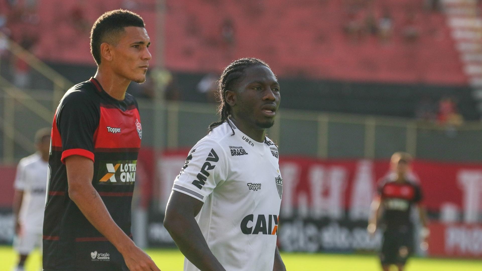 Chará, do Atlético-MG, é marcado por jogador do Vitória