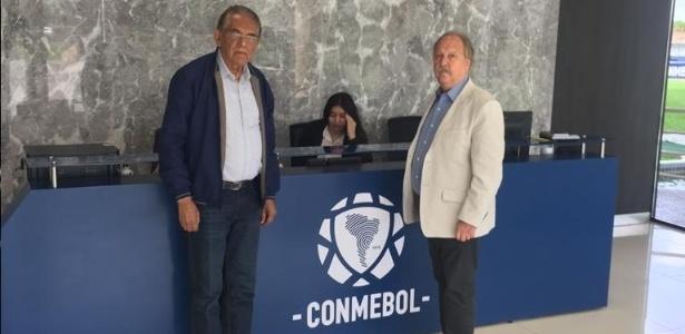 Benecy Queiroz e Wagner Pires passaram a quinta-feira em reuniões na sede da Conmebol - Cruzeiro/Divulgação