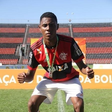 Jhonata teve 30% do corpo queimado - Divulgação/Flamengo