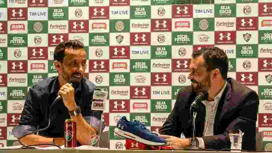 Nenê é apresentado como reforço do Fluminense pelo presidente Mario Bittencourt - LUCAS MERÇON/ FLUMINENSE F.C.