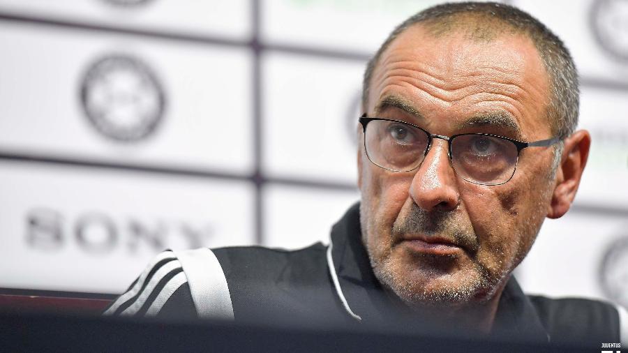 Maurizio Sarri não quis comentar sobre a possibilidade de Arthur defender a Juventus - Divulgação
