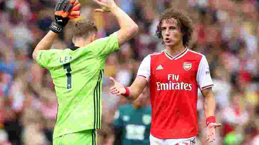 Zagueiro atuou durante 90 minutos na vitória por 2 a 1 sobre o Burnley - Peter Cziborra/Reuters