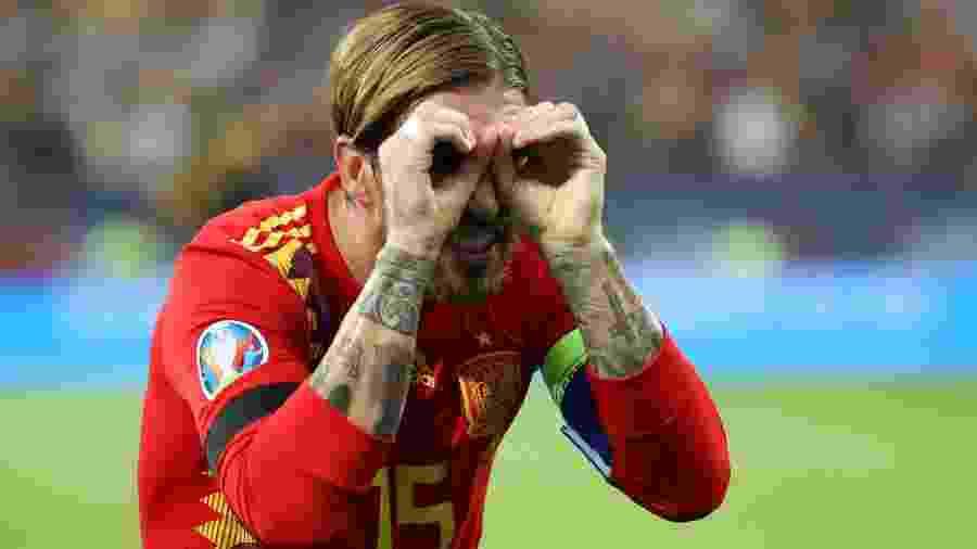 Sergio Ramos comemora em jogo entre Espanha e Romênia - George Calin/Reuters