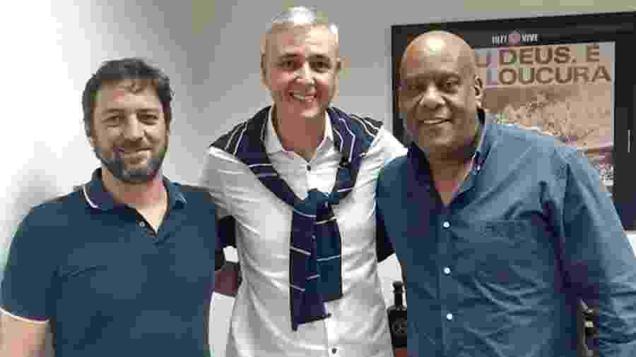 Técnico Tiago Nunes com dirigentes do Corinthians em sua primeira visita ao Parque São Jorge - Reprodução/Instagram
