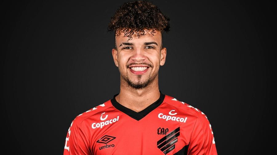 Jajá, atacante do Athletico - Divulgação/Site oficial do Athletico