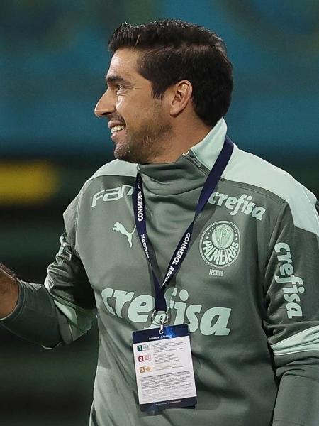 O técnico Abel Ferreira, do Palmeiras, em jogo contra a equipe do Defensa Y Justicia, durante partida válida pela final, ida, da Recopa. - Cesar Greco