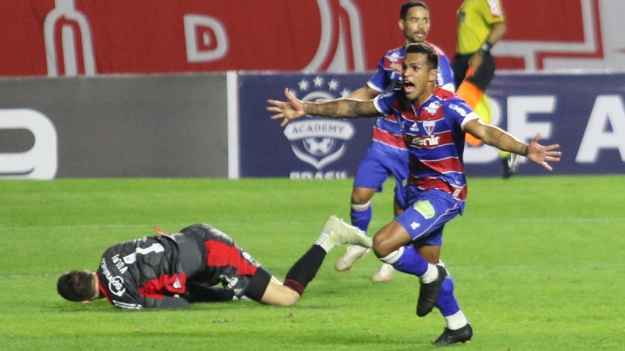 Robson, do Fortaleza, comemora gol contra o São Paulo, no Morumbi, em duelo válido pelo Brasileiro - LUCIANO CLAUDINO/CÓDIGO19/ESTADÃO CONTEÚDO