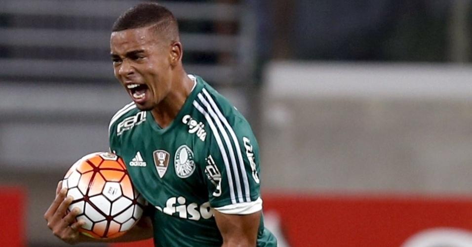 Gabriel Jesus comemora o seu gol contra o Nacional, pela Libertadores