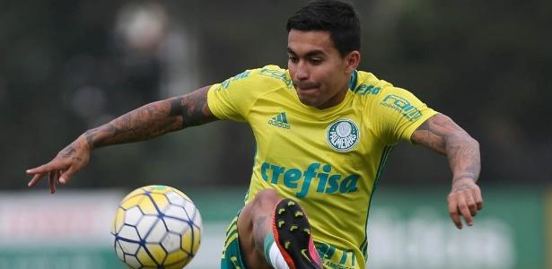 Meia-atacante Dudu é um dos seis pendurados do Palmeiras