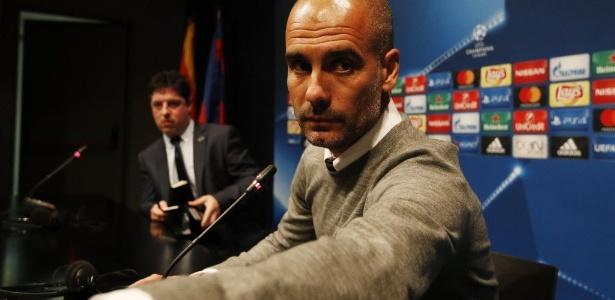 Guardiola disse que não viu ex-jogador tentando cumprimentá-lo no gramado