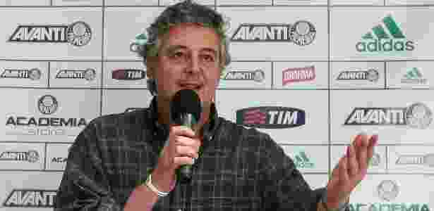 Paulo Nobre fala microfone foto antiga - Cesar Greco/Fotoarena - Cesar Greco/Fotoarena
