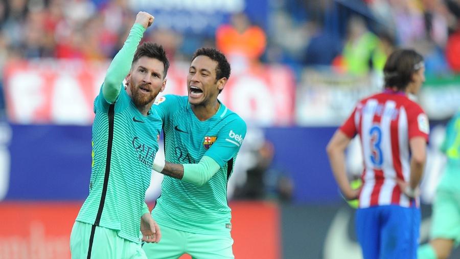 Messi e Neymar comemoram gol: seriam os últimos jogadores sem nomes duplos? - Denis Doyle/Getty Images