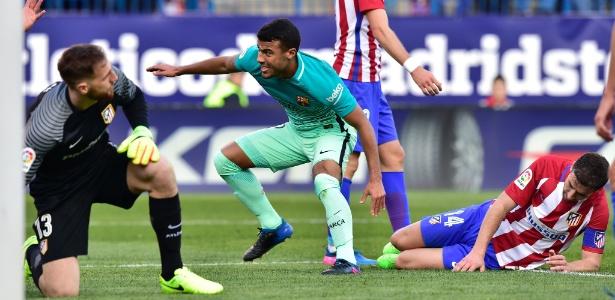 Rafinha em ação com a camisa do Barcelona