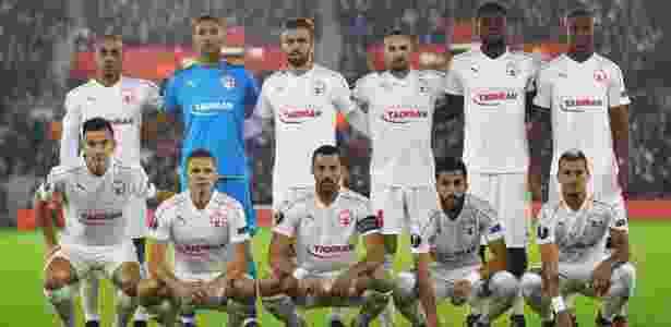 Jogadores do Hapoel antes de duelo contra o Southampton (ING), pela Liga Europa - Clive Rose/Getty Images