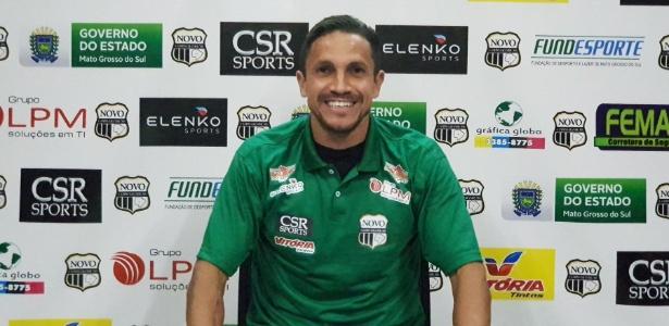 Ferdinando já atuou no Grêmio e é um dos jogadores repassados pelo Nacional ao Novo