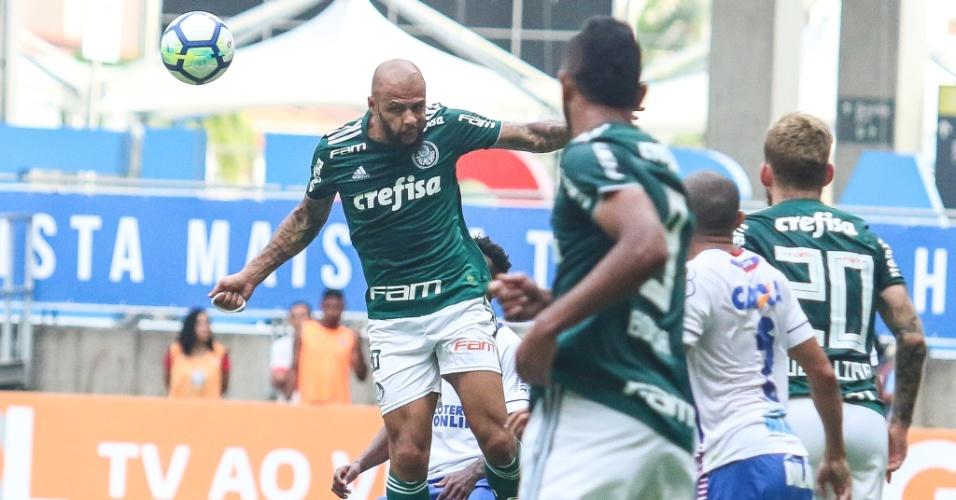 O volante Felipe Melo em lance da partida entre Bahia e Palmeiras