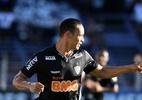 """""""Em casa"""", R. Oliveira tenta superar batalha contra goleiro uruguaio - PABLO PORCIUNCULA / AFP"""