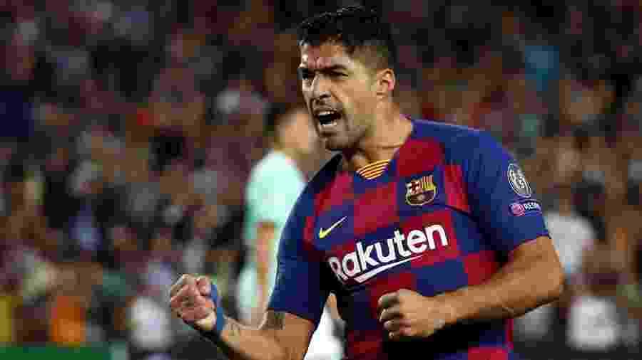 Luis Suárez comemora após marcar pelo Barcelona contra a Inter de Milão - Sergio Perez/Reuters