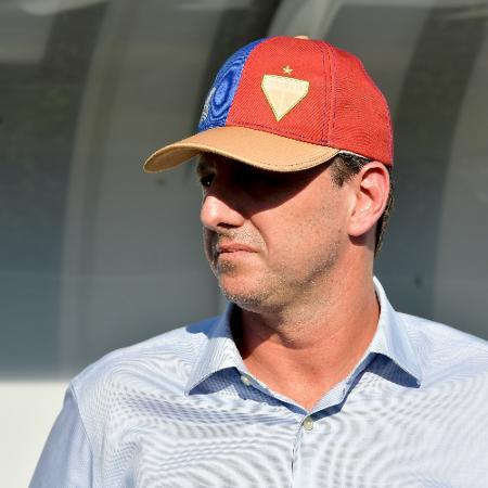 Rogério Ceni, técnico do Fortaleza, vai poder voltar aos treinos - Thiago Ribeiro/AGIF