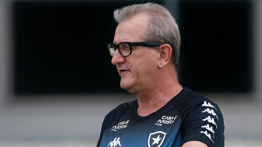 O gaúcho tinha 59 anos fez seu último trabalho profissional auxiliando Paulo Autuori no Botafogo - Vitor Silva/BFR