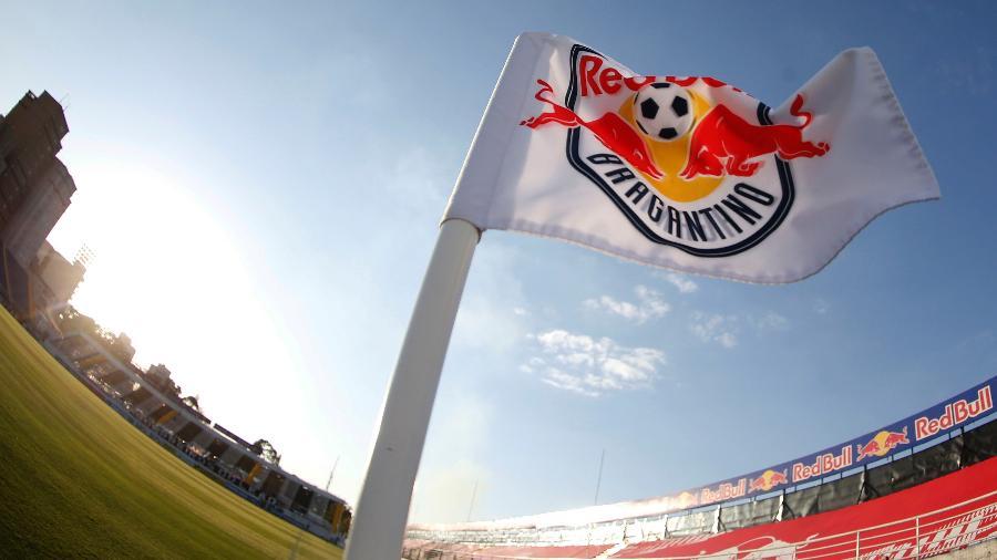 Bandeira de escanteio do estádio Nabi Abi Chedid, onde joga o Red Bull Bragantino - Divulgação/RB Bragantino