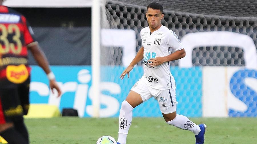 Sandry carrega a bola em Santos x Sport - Pedro Ernesto Guerra Azevedo/Santos FC